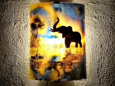 applique murale orange et violet Le reflet de l'éléphant