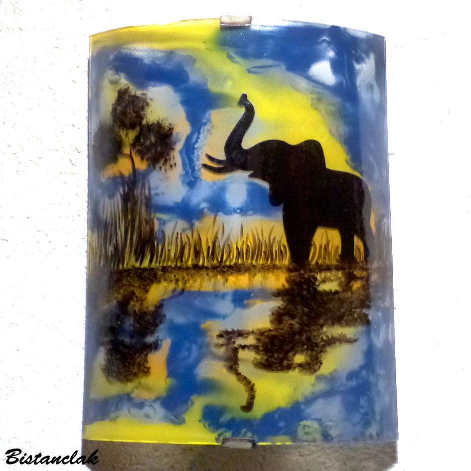 Applique murale motif le reflet de l elephant jaune et bleu