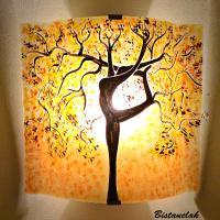 Applique murale sable jaune bordeau motif arbre danseuse