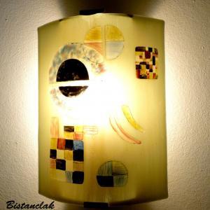 Applique demi-cylindre géométrique taupe et multicolore inspire de gravite de kandinsky