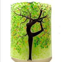 Applique murale verte et orange motif arbre danseuse vendue en ligne