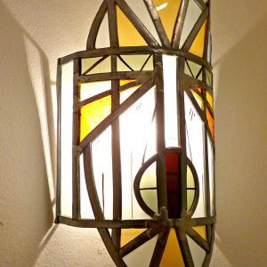 Applique murale vitrail masque ethnique jaune et orange 4 1