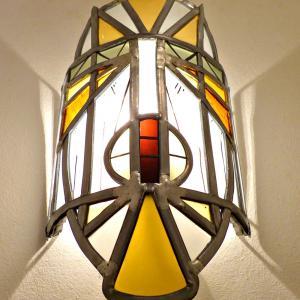 Applique murale vitrail masque ethnique jaune et orange 6 1