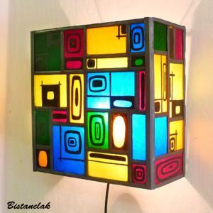 Applique murale vitrail multicolore et carres noir 7 1