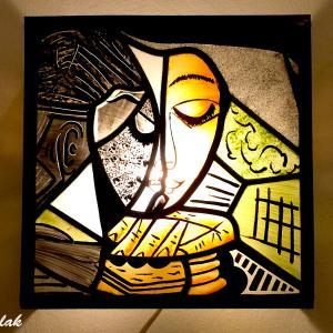 Applique murale vitrail orange vert et noir la femme lisant inspiration picasso 4 1