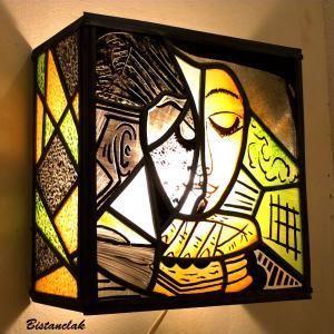 Applique murale vitrail orange vert et noir la femme lisant inspiration picasso 5 1