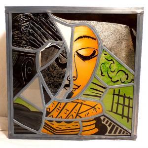 Applique murale vitrail orange vert et noir la femme lisant inspiration picasso 8 1