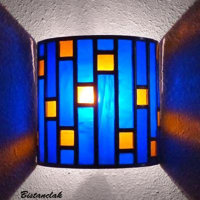 Applique vitrail demi cylindre bleu cobalt et ambre