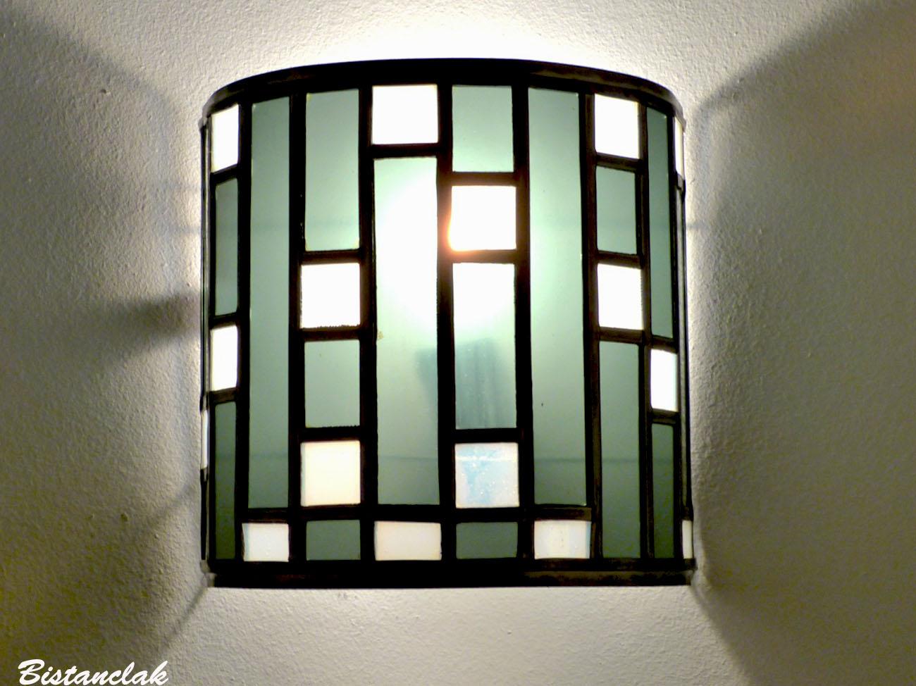 Applique vitrail demi cylindre noir et blanc tendance art deco 3 1