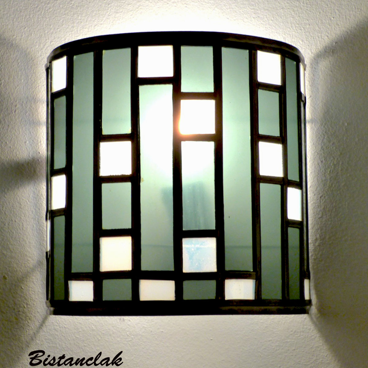 Applique vitrail demi cylindre noir et blanc tendance art deco 5 1