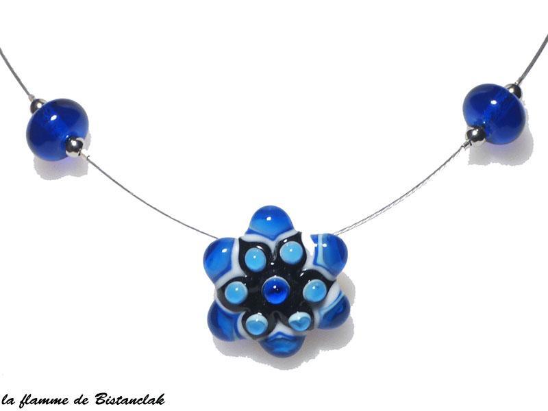 Bijou bleu fleur en verre file