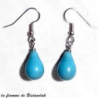 Bijou d oreilles artisanales goutte de verre bleu turquoise creation artisanale