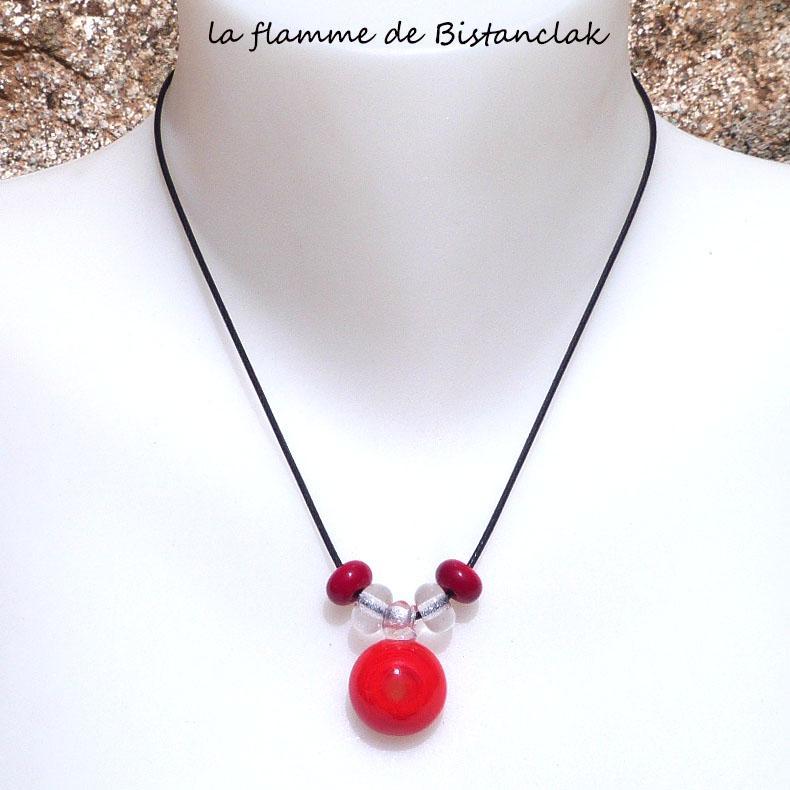 Bijou en verre file rouge collier perle de verre et cabochon