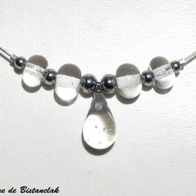 Collier en verre transparent goutte de verre et perles rondes
