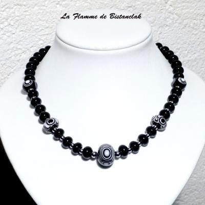 Collier tout perles de verre noir et blanc collection psyché