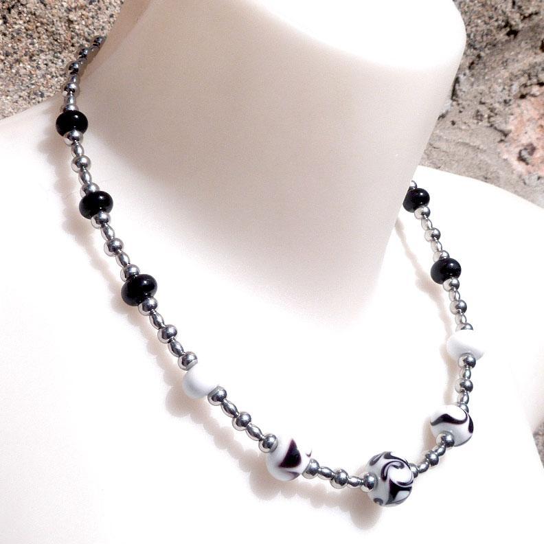 Bijou perle de verre file fantaisie en noir et blanc