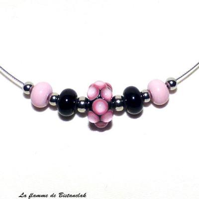 Collier perles de verre rose et noir collection virus