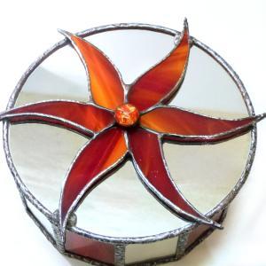 Boite vitrail fleur rouge 6