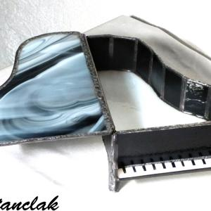 Boite vitrail piano ouvert