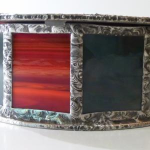 Boite vitrail yin yang rouge et gris 7
