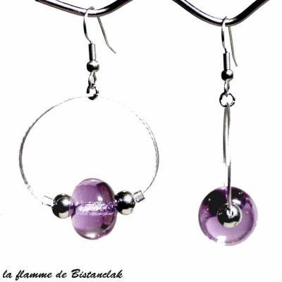 boucles d'oreilles créoles et perles de verre couleur alexandrite