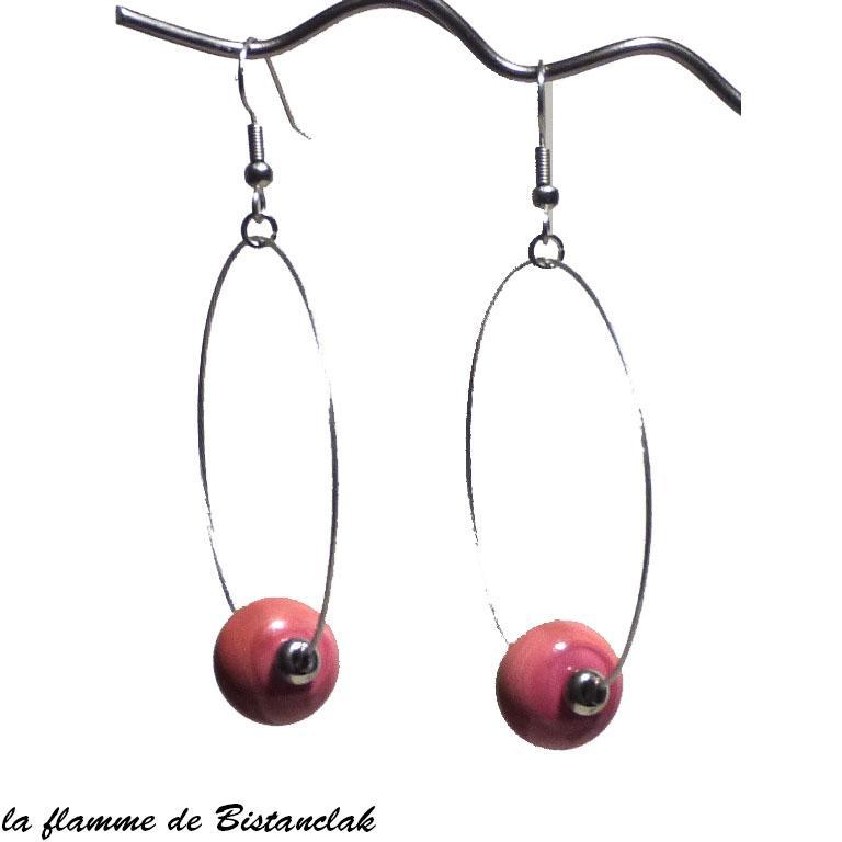 Boucles d oreilles creoles artisanales et perle de verre couleur corail