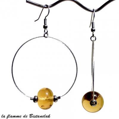 boucles d'oreilles créoles et perles de verre ambre