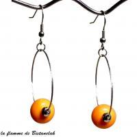 Boucles d oreilles creoles et perles de verre jaune orange