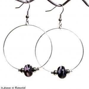Boucles d oreilles creoles et perles de verre noir chamarre rose et blanc