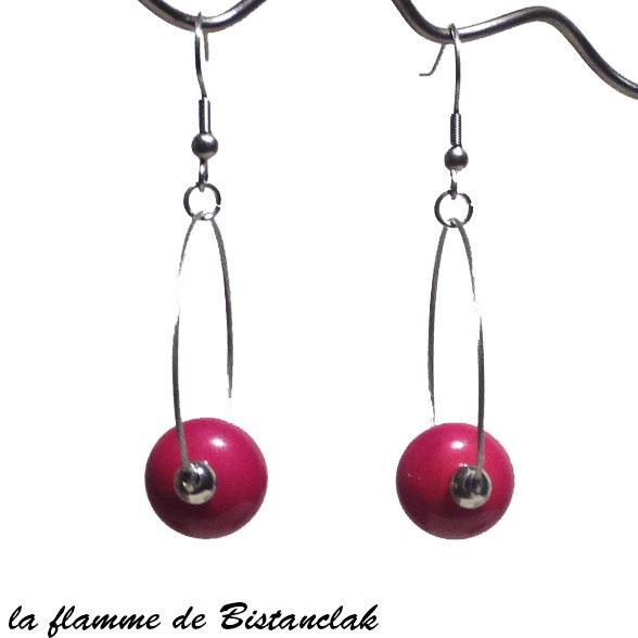 Boucles d oreilles creoles et perles de verre rouge creation bijoux par bistanclak