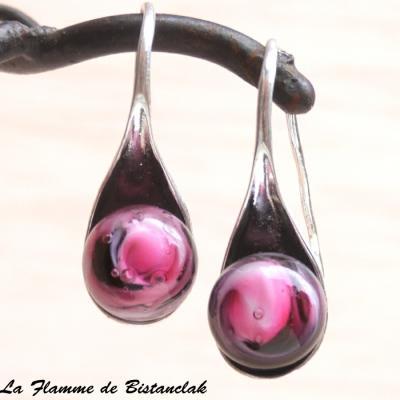 Boucles d oreilles artisanales verre filé rose et noir
