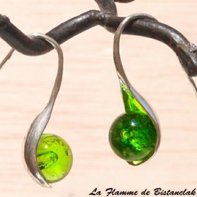 Boucles d oreilles artisanales verre filé vert clair transparent