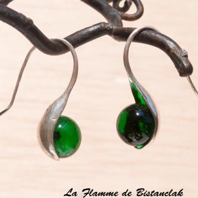 """Boucle d'oreilles """"cuillère"""" perle de verre vert herbe tendre transparent"""