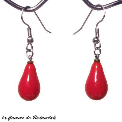 boucles d'oreilles goutte de verre rouge