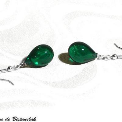 boucles d'oreilles goutte de verre vert émeraude transparent