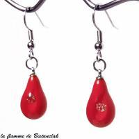 Boucles d oreilles goutte de verre rouge et zirconium