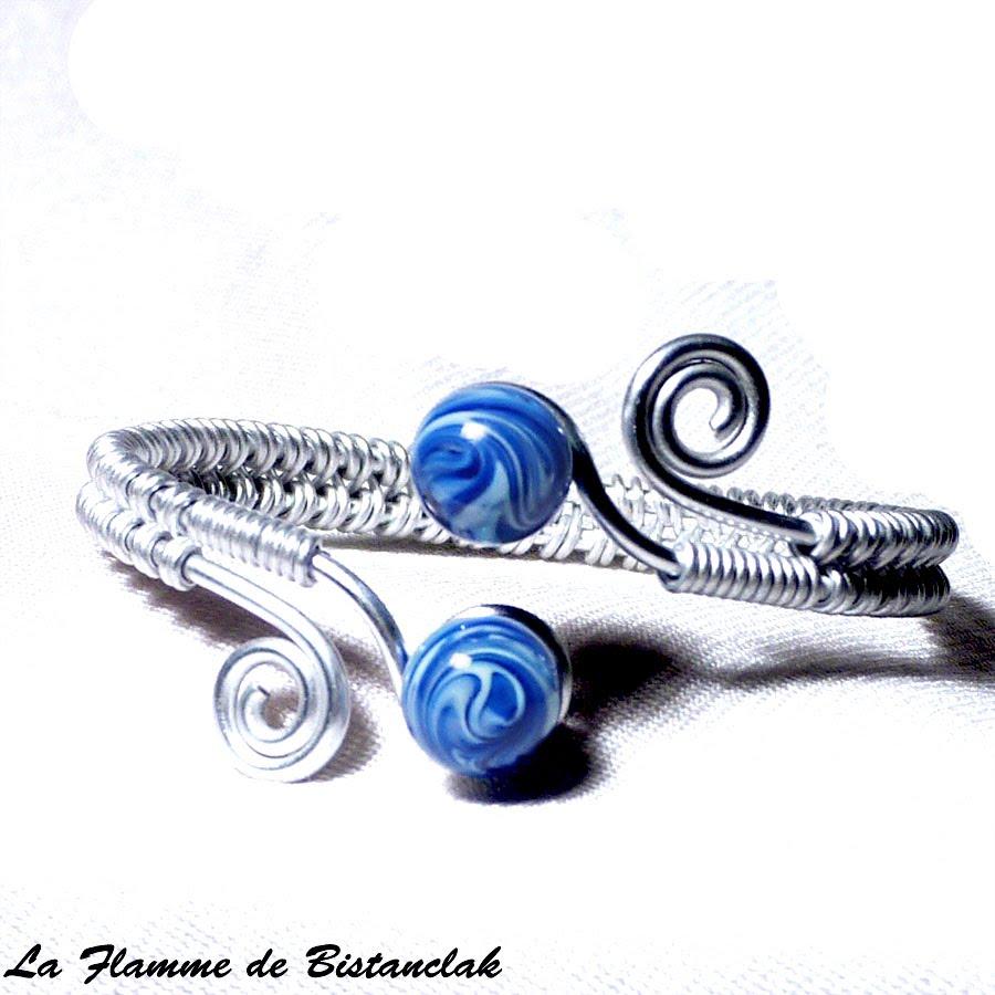 Bracelet ajustable artisanal tresse main perles de verre bleu chamarre spirales argentees 4