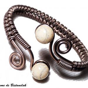 Bracelet artisanal a spirales chocolat perles de verre ivoire craquele gris 2