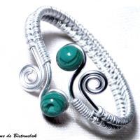 Bracelet artisanal perles de verre vert bleu canard spirales argentees