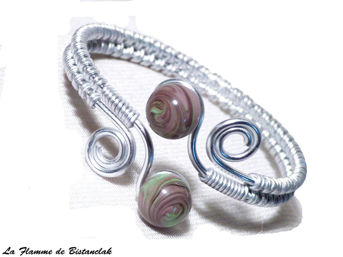Bracelet artisanal perles de verre violet glycine et vert chamarre spirales argente 1