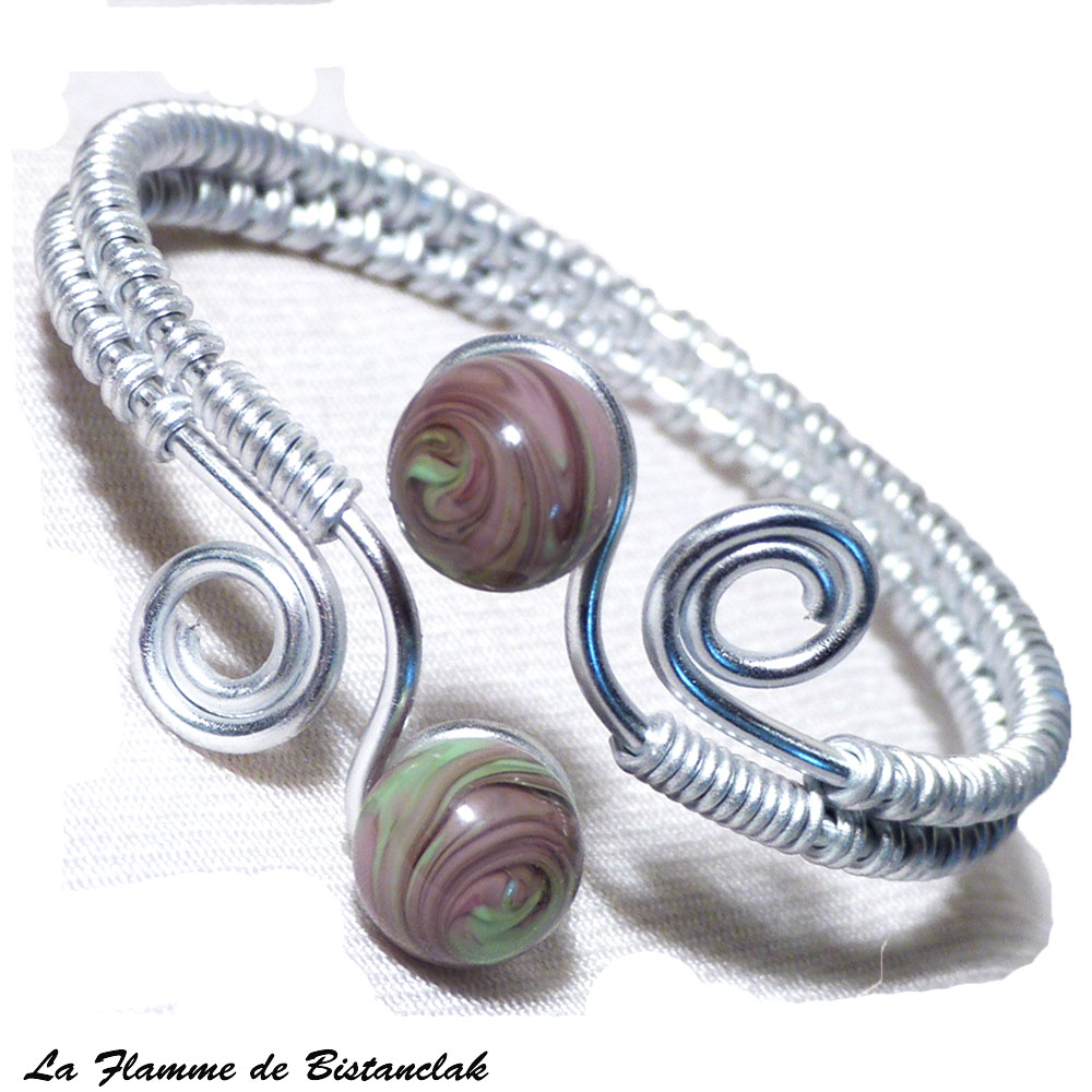 Bracelet artisanal perles de verre violet glycine et vert chamarre spirales argente 2