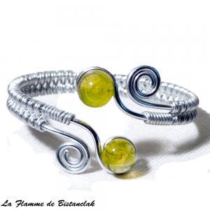 Bracelet artisanal spirale argente et perles de verre jaunes transparentes 1