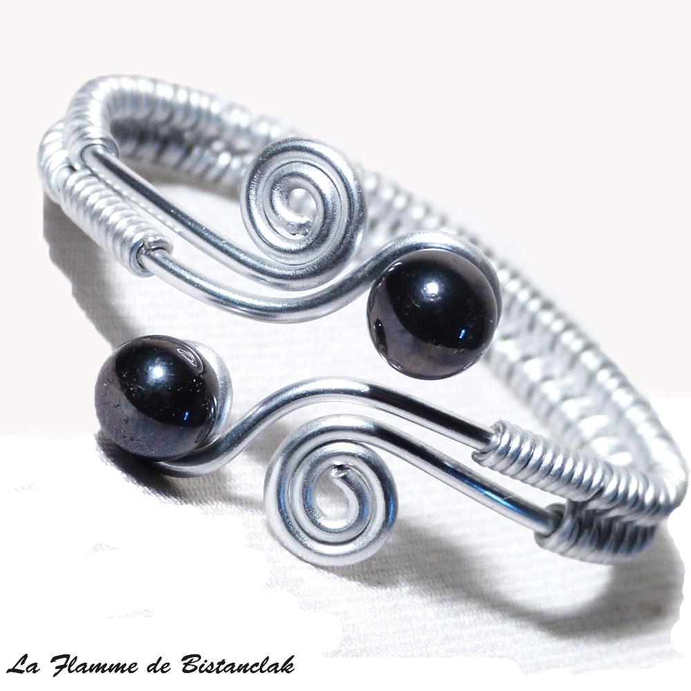 Bracelet spirale argente perles de verre noires metallisees