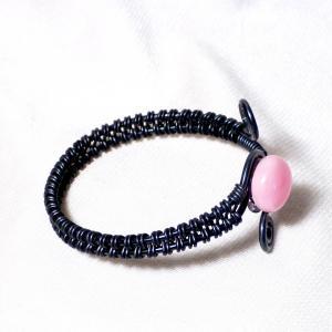Bracelet spirale noir cabochon rose bonbon 2