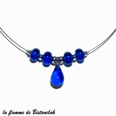 Collier perle et goutte de verre bleu roi