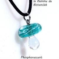 Collier champignon lumineux bleu canard