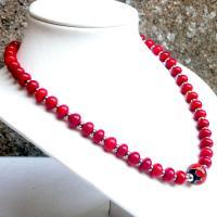 Collier de perles de verre file au chalumeau collection fleur en spirale une creation artisanale francaise vendue en ligne sur notre site