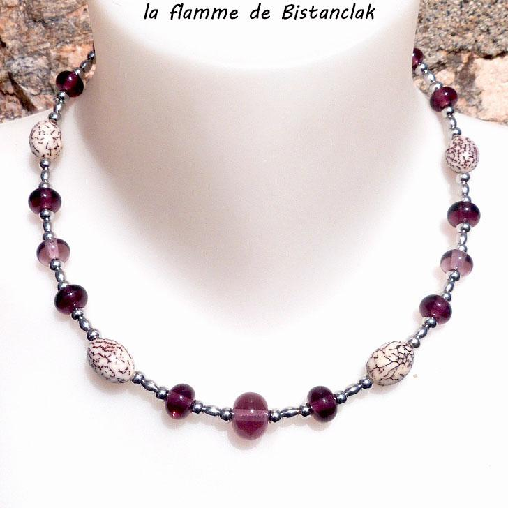 Collier de perles de verre file couleur rose glycine et graines de betel