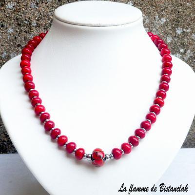 Collier de perles de verre rouge et acier Collection Fleur en spirale