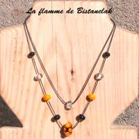 Collier double rang perle orange et noir virus 1